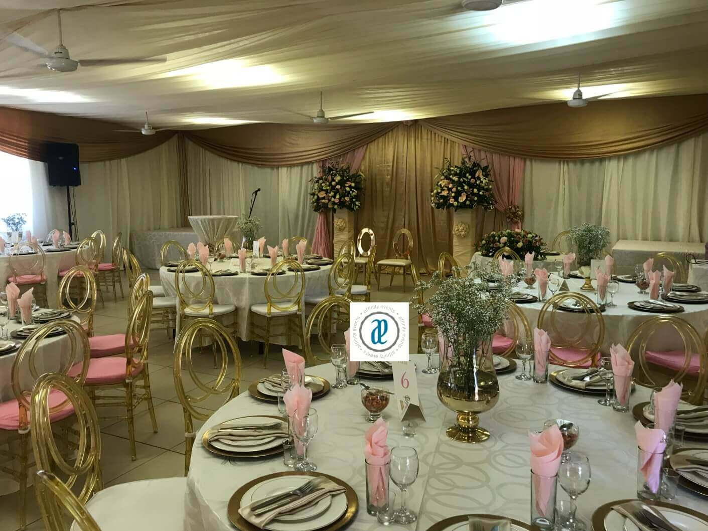 wedding chairs to hire